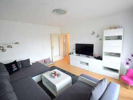 Schöne und helle 3 Zimmer-Obergeschoss-Wohnung mit Balkon und Außenstellplatz !!!