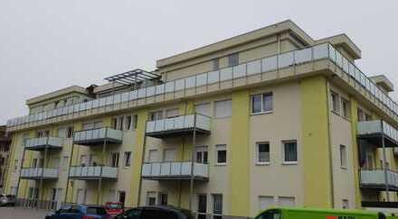 Stilvolle, geräumige und kernsanierte 1-Zimmer-Wohnung mit Balkon und EBK in Lahr/Schwarzwald
