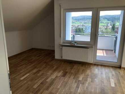Moderne DG-Wohnung mit Panoramablick in Rudersberg