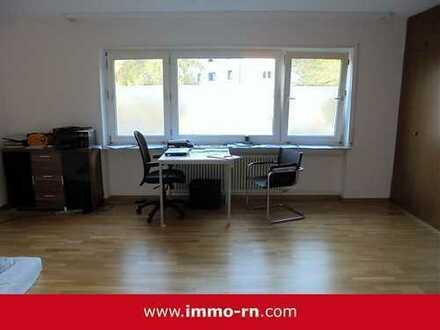 *** Top moderne 1 ZKB Wohnung mit Pantryküche und Stellplatz im Innenhof ***