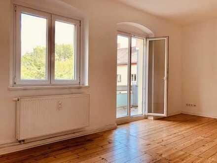Schöne, ruhige und großzügige 3-Zimmer-Wohnung in Berlin-Weißensee, Dielenboden, 3. OG