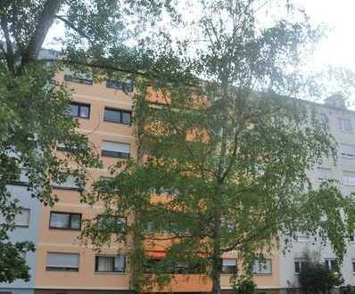 KA Südweststadt 4-Zi. Wohnung mit 2 großen Balkonen