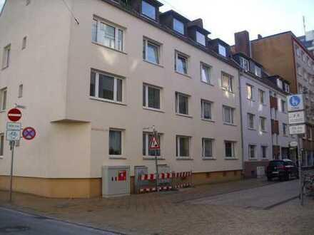 Helle renovierte 2 Zimmer-Wohnung, Nähe Fussgängerzone