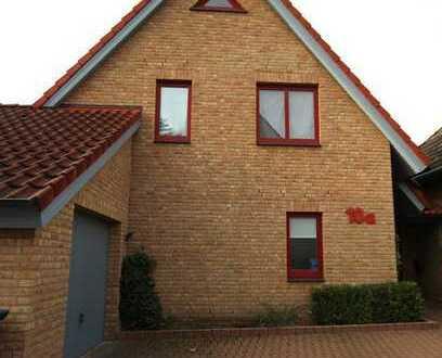 Wohnglück - Einfamilienhaus mit Einliegerwohnung in Neustadt!