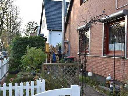 Sauna und Kamin - Doppelhaushälfte in Hamburg-Bramfeld