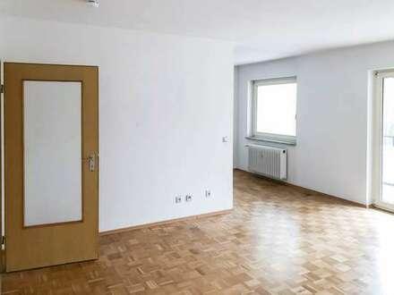 WG geeignete Wohnung mit Balkon, Parkett / Laminat in Bielefeld - Großdornberg