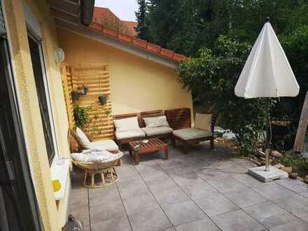 Gepflegte 2-Zimmer-EG-Wohnung mit Terrasse in Bruchsal