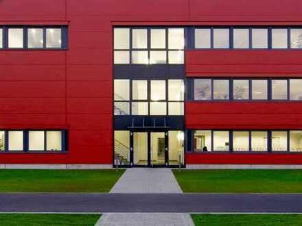 VERKAUF ✓ Gewerbeobjekt mit Lager-/Serviceflächen (1.300 m²) & Büroflächen (600 m²)
