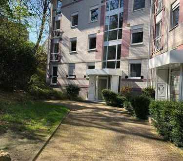 helle 4-Zimmer-Wohnung mit Balkon und EBK an der Steinkaute