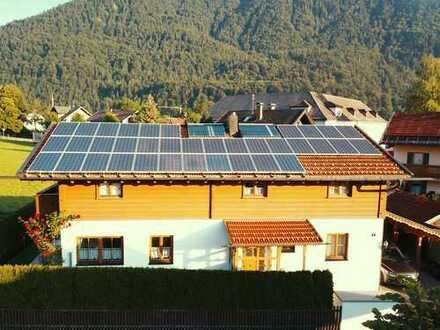 Gepflegtes freihstehendes Einfamilienhaus im bayerischen Stil