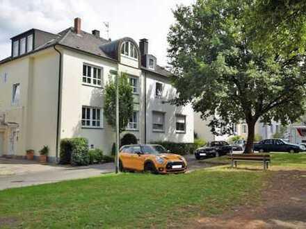 Stadtwald-Liebe! Großformatiges Ein- bis Zweifamilienhaus in charmanter, ruhiger Lage