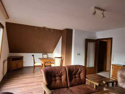 Helle 3 ZKB DG-Wohnung in Ortsrandlage