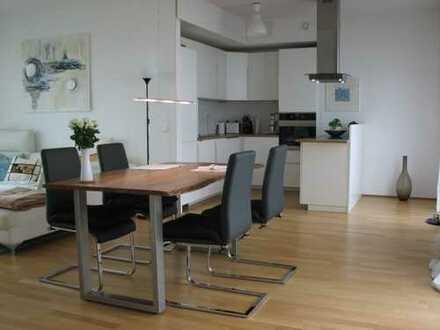 Stilvolle, geräumige 3-Zimmer-Penthouse-Wohnung mit 2 Dachterrassen und EBK, Köln-Rodenkirchen