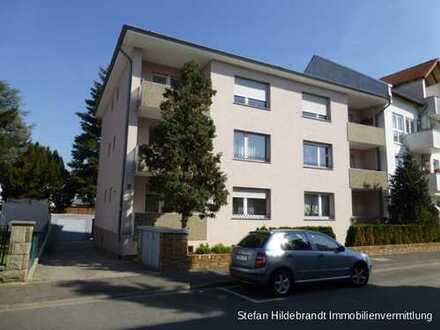 Solide Kapitalanlage - vermietete 3-Zimmerwohnung mit 2 Balkonen und Garage