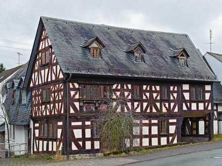 Kapitalanlage - Mehrfamilienhaus mit Geschichte anno 1717