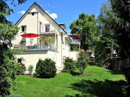 Erstbezug mit Einbauküche und Terrasse: exklusive 3-Zimmer-Wohnung in Berlin (Spandau)