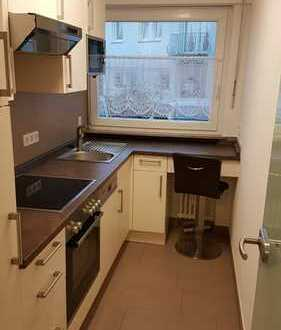 sanierte 2,5-Zimmer-Wohnung mit Einbauküche & Loggia in Kirchheim unter Teck
