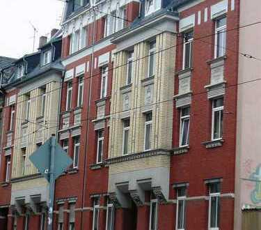 2 Raum mit großen Balkon am Goethepark