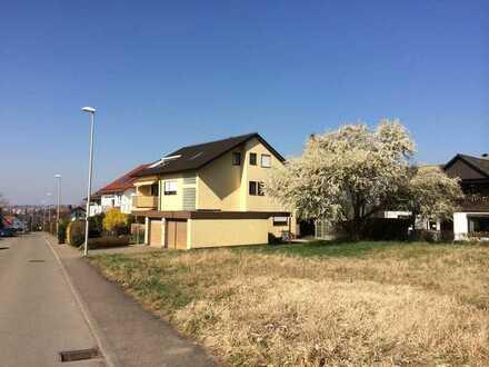 Vollständig renovierte Wohnung mit vier Zimmern sowie Balkon und EBK in Weissach im Tal