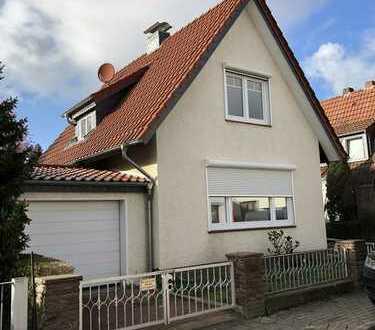 Schönes saniertes/renoviertes Einf.-Haus mit vier Zimmern in Bremen, Grohn