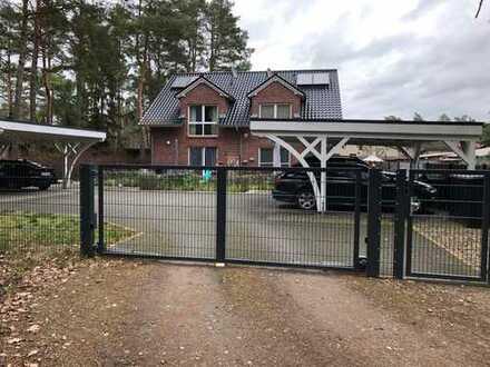 Doppelhaushälfte in Königs Wusterhausen mit Carport, Terrasse & Garten: Baujahr 2017
