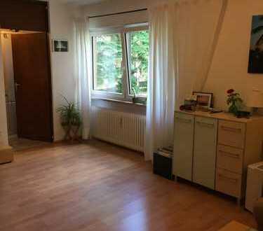 Schöne, geräumige ein Zimmer Wohnung in München, Berg am Laim, v. privat