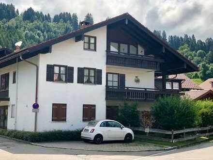 Großzügige 2,5 Zimmer Wohnung in Burgberg mit großem Balkon