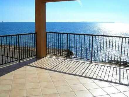 Schöne Wohnung in 1. Linie mit fantastischem Meerblick