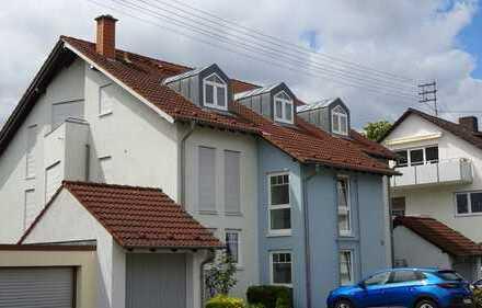 +++ Attraktives Wohnen ganz oben in kleinem Mehrfamilienhaus +++