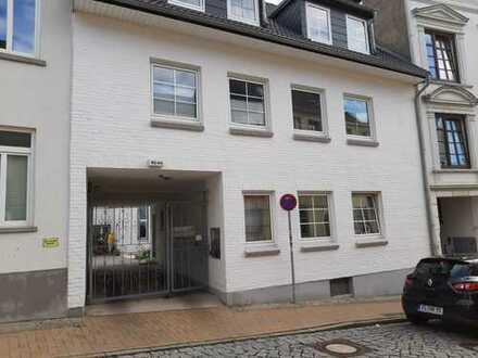 Gepflegte 3-Zimmer-Wohnung mit Balkon und Einbauküche in Flensburg