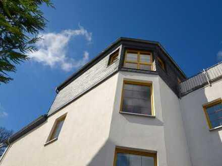 SOFORT verfügbare 6 Zimmerwohnung modernisiert mit 2 Tageslicht-Bädern Gartenanteil Stellplatz !!