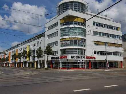 Schönes Ladenlokal mit großem Schaufenster in verkehrsgünstiger Lage in der Plautstraße!