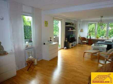 Erdgeschosswohnung mit Garten, 2 Terrassen, Garage und Sauna!