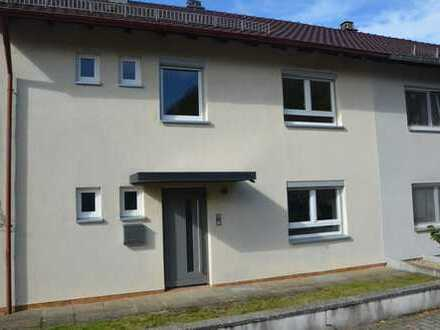 Doppelhaushälfte mit fünf Zimmern in Neckar-Odenwald-Kreis, Adelsheim