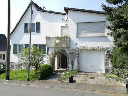 Schönes Haus ruhige Lage mit sechs Zimmern in Runkel-Steeden,