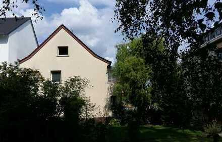 Charmantes Stadthäuschen mit Terrasse und kleinem Garten in zentraler Lage in Kelkheim