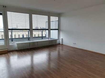 3-Zimmer-Wohnung mit 2 Balkonen im Stadtzentrum!