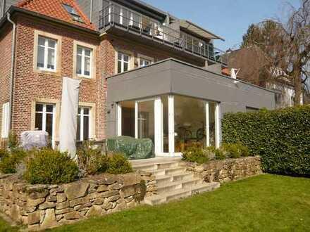 Exklusive 130m²-Wohnung mit EbK., Stellpl. - Terrasse u. Traumgarten am alten Zoo