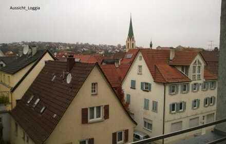 Helle, größzügige 2,5-Zimmer-City-Wohnung mit Loggia in Rottenburg am Neckar