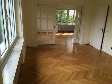 Schönes Haus mit fünf Zimmern in Bielefeld, Innenstadt