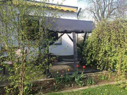 Supergünstiges Zimmer mit Garten in Mädels WG, für München Pendler bestens geeignet