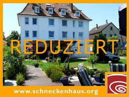 NORDSEE-RENDITE in Cuxhaven! Haus mit acht Wohneinheiten (inkl. 140 m² exzellente Bel Étage)...