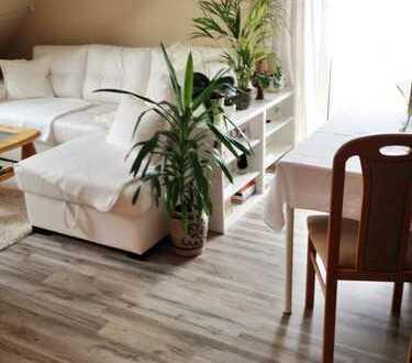 Moderne 2-Raum-Wohnung unterm Dach mit Balkon!