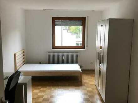Möbliertes Zimmer in der Nähe von BOSCH