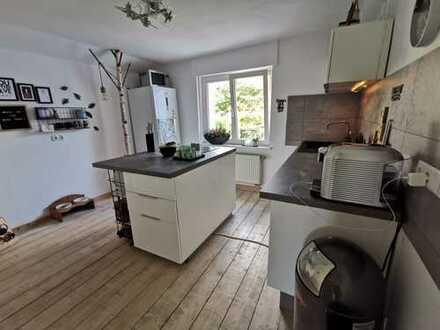 Top sanierte 2,5-Zimmer-Wohnung mit Terrasse und Garten in Bonn