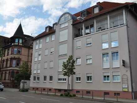 ETW: mit Blick über die Dächer von Landau mit Terrasse und Balkon