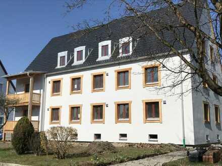 Schöne und helle 2-Zimmer-Wohnung in hochwertig saniertem Wohnhaus