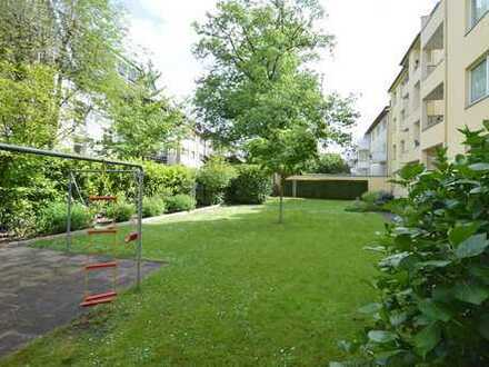 Gemütliche 3-Zimmer-Wohnung mit Einbauküche, ruhigen Balkon und Gartenmitbenutzung in zentraler Lage