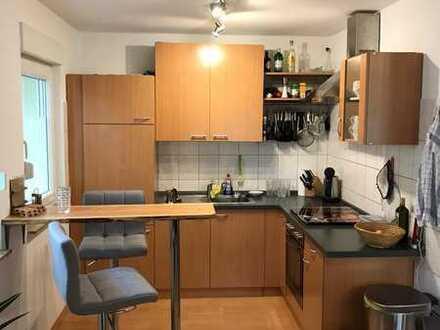Gepflegte 2-Raum-Wohnung mit Einbauküche in Roschbach