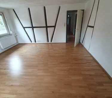 Schöne, geräumige drei Zimmer Wohnung in Zollernalbkreis, Albstadt Lautlingen